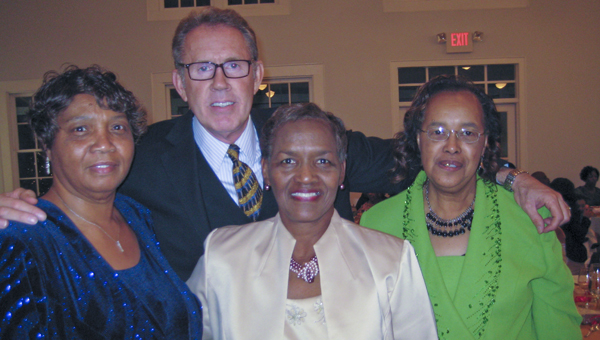 ctor Gary Grubbs, the son of honoree Grace Grubbs, with gala attendees Shirley Lewis, Rosie Powell (middle) and Chellie Payne.